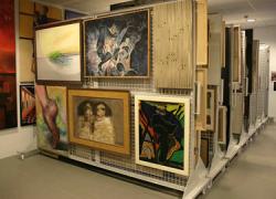 Sistemas de climatización, seguridad y almacenamiento integran el grueso de la inversión que tiene prevista la Diputación de Málaga para mejorar las condiciones de conservación para más de 500 obras de arte entre pinturas, esculturas y tapices