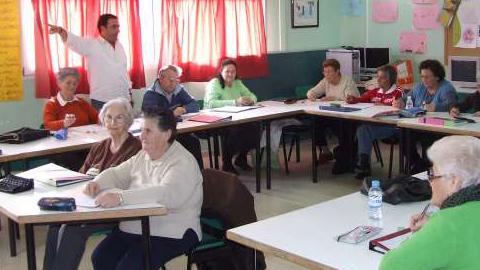 El centro de adultos Polígono Sur ha sido galardonado con el Premio Nacional de Educación 'Miguel Hernández' que concede el Ministerio de Educación en reconocimiento a su trabajo dentro de este barrio hispalanse