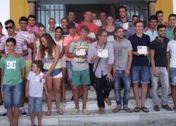 """El Ayuntamiento de Barbate premia la labor que distintas personalidades y entidades realizan a favor de la juventud del municipio, con los galardones """"Juventud Barbate"""""""