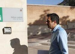 El juzgado de lo Penal número 1 de Granada ha condenado al alcalde de Íllora, el socialista Francisco Domene, a ochos años de inhabilitación para empleo y cargo público por prevaricación