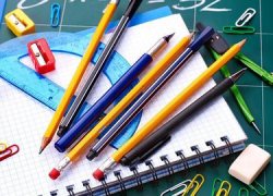 Las familias más desfavorecidas de Cártama se beneficiarán de 8.000 euros en ayudas para la adquisición de material escolar, teniendo de plazo hasta el 5 de septiembre para solicitarlas