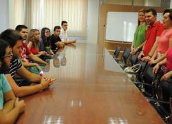 """Maracena participa en el programa """"Descubriendo Europa"""" con el objetivo de favorecer breves estancias en el extranjero de jóvenes paradesarrollar habilidades lingüísticas, sociales y personales"""