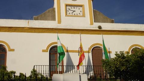 El Ayuntamiento de Conil de la Frontera inicia los trámites para regularizar las viviendas en el campo mediante un certificado que permitirá a los propietarios registrar sus inmuebles y optar a servicios básicos