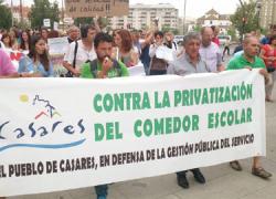 El Ayuntamiento de Casares modifica los estamentos de su empresa pública para seguir gestionando el comedor y evitar así la privatización de este servicio