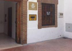Almedinilla pide un servicio de Correos eficaz y eficiente para el municipio debido a los cambios detectados, como disminución de horario de atención al público en más de un 60%, o la disminución de la plantilla de personal
