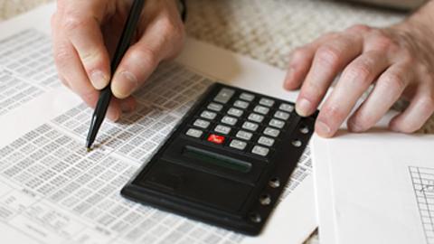 Las personas residentes en Huércal de Almería disponen de varias vías para facilitarles el pago de las obligaciones tributarias: Cuenta 10, plan de pagos personalizado y fraccionamiento o aplazamiento de recibos