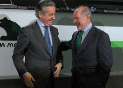 La Audiencia Nacional atribuye a Miguel Blesa, expresidente de Caja Madrid, y a Rodrigo Rato, de Bankia, la plena responsabilidad por el sistema de tarjetas de crédito opacas que permitió a 83 consejeros de ambas entidades cargar 15,5 millones de euros en gastos personales a las cuentas de la caja