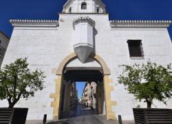 Las obras de ampliación y modernización de los CEIP Capitulaciones y Reyes Católicos de Santa Fe permiten la contratación de 57 desempleados de la localidad gracias al Plan de Oportunidades Laborales de Andalucía