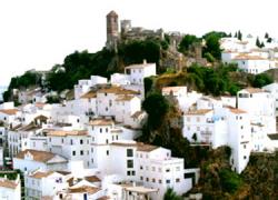 """Casares apuesta por la construcción de un mirador en el Castillo de los Moros como parte del proyecto de recuperación de veredas """"Gran Senda de Málaga"""""""