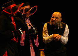 """La Asociación Teatral de Comediantes Malagueños regresan al Teatro Cervantes de Álora estas fiestas para representar la tradicional obra de teatro """"Cuento de Navidad"""" de Charkles Dickens con un objetivo benéfico"""