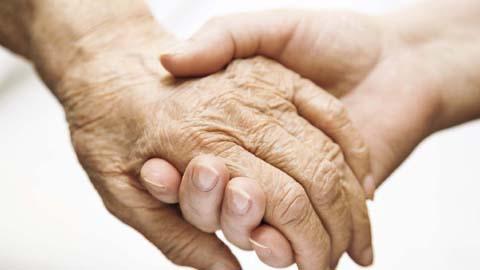 Las Asociaciones de Familiares de Enfermos de Alzheimer de la provincia de Huelva firman un nuevo convenio con Diputación para ralentizar la enfermedad de las personas afectadas por esta enfermedad