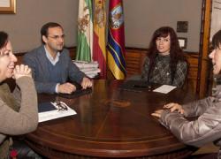 El Ayuntamiento de Sanlúcar de Barrameda y la Asociación Bello Amanecer, de ayuda a personas afectadas por depresión y ansiedad, firman un convenio de colaboración para continuar con esta labor