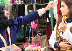 El primer fin de semana de febrero se celebra en Marchena el Mercado Barroco con puestos de productos de la época y animación lúdica y cultural, rindiendo homenaje a diversos personajes literarios