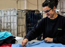 Arahal dona 37.781 kilos de ropa y calzados de segunda mano a personas sin recursos que Humana Fundación Pueblo para Pueblo lleva a las cuatro tiendas de segunda mano que tienen por toda Andalucía