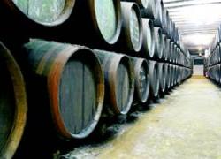 El vinagre procedente de la zona cordobesa de Montilla-Moriles se abre a los mercados de la Unión Europea tras el reconocimiento de su Denominación de Origen Protegida, tal como ocurrió con el vino