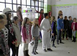 El colegio El Faro de Mazagón clausura su programa conmemorativo alrededor del Día de la Mujer con una jornada de puertas abiertas en el centro con el objetivo de hablar de igualdad de género