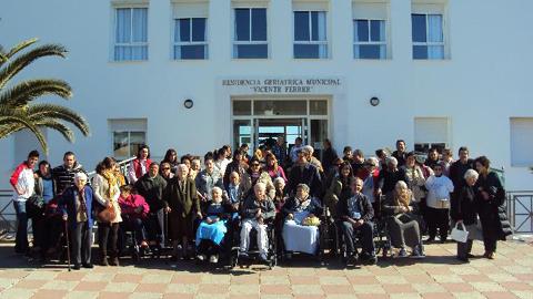 La Residencia Geriátrica Municipal 'Vicente Ferrer' de la localidad de Castilblanco de los Arroyos recibe una distinción de la Agencia de Calidad Sanitaria de Andalucía por su trato hacia las personas mayores