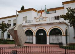 Fuengirola ha realizado trabajos de mantenimiento y mejora en sus colegios públicos, durante los tres primeros meses de este año, a través de sus conserjes de dichos centros y de personal del Ayuntamiento
