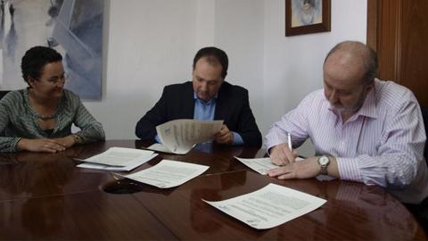 La Asociación de Padres y Protectores de Adultos y Niños Discapacitados de Lepe consigue un convenio para que personas con algún tipo de discapacidad trabajen en dependencias municipales de Aljaraque