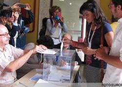 24M: La secretaria general de Podemos, Teresa Rodríguez, vota en Cádiz y confía en que hoy sea una jornada histórica en datos de participación de los andaluces y andaluzas