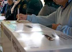 24M: Abren con normalidad los casi 4.000 colegios electorales en Andalucía para la jornada electoral