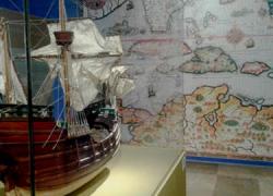 El Instituto de América de Santa Fe acoge en exposición permanente la muestra 'De Santa Fe a las Indias', un recorrido por los detalles del primer viaje de Cristóbal Colón al continente americano en 1492
