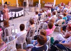 El Área de la Mujer de Moguer concluye hoy tres jornadas festivas dedicadas a clausurar el programa de talleres de este curso, con conciertos, convivencias y exposiciones donde muestran los trabajos realizados