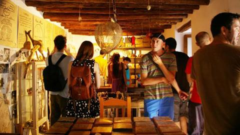 Jóvenes artistas se dan cita en la comarca granadina del Valle de Lecrín en una nueva convocatoria de las becas alRaso cuyo objetivo es apoyar el trabajo creativo una vez terminados los estudios académicos