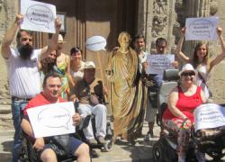 Granada reclama la reapertura de su Museo Arqueológico tras un lustro cerrado recorriendo la Carrera del Darro bajo el lema #ArqueológicoYa, para pedir más compromiso a las Administraciones responsables
