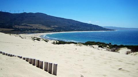 Las localidades gaditanas de Conil de la Frontera y Tarifa se sitúan entre los destinos turísticos de playa con mejor reputación online del país por sus establecimientos y características naturales