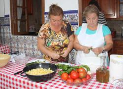Los talleres de cocina tradicional organizados por GDR Campiña-Alcores para potenciar el valor patrimonial de la zona finalizan con gran éxito en los municipios de Écija, La Luisiana o Mairena del Alcor