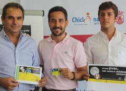 Chiclana facilita el uso del transporte urbano entre los jóvenes con una nueva edición de la Tarjeta Bus Nocturno, una iniciativa que permite disfrutar de las noches de verano sin mezclar alcohol y conducción
