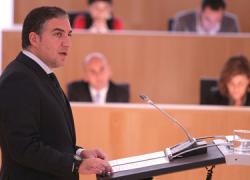 Un pacto PP – Ciudadanos permite al popular Elías Bendodo ser reelegido como presidente de la Diputación de Málaga en un acto donde contó con un importante respaldo de su partido a nivel autonómico y nacional