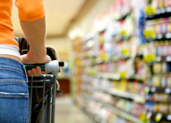 La asociación de comerciantes de Cantillana protesta por la próxima apertura de dos supermercados pertenecientes a grandes superficies argumentando que no cumplen con los requisitos legales