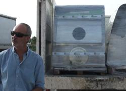 Chipiona ultima la instalación de los contenedores soterrados para la recogida selectiva de residuos, lo que significa mayor ahorro en la recogida de basuras y una apuesta más sostenible por el medio ambiente