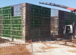 """El proyecto """"Mejora del Sistema de Abastecimiento en alta a los municipios del Consorcio de Écija-Marchena-Montepalacios-Arahal"""" continúa sus avances con la construcción de un depósito de agua en Arahal"""