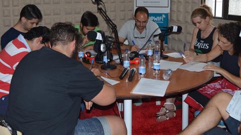 """EMA-RTV celebra este fin de semana el cuarto Taller """"Ponte al día, lee prensa"""" para la alfabetización mediática en la radio ciudadana Onda Palmeras Córdoba"""