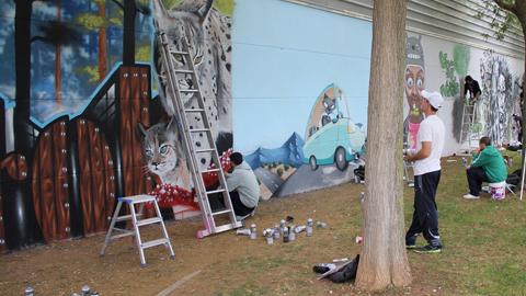 El municipio sevillano de La Rinconada organiza una nueva edición de su Festival Red CreaJoven, un encuentro cultural donde de dan cita jóvenes creadores exhibiendo sus muestras de arte urbano