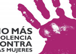 """La ciudadanía de Marbella se moviliza contra la violencia machista con motivo del 25-N, el Día Internacional para la Eliminación de la Violencia hacia la Mujer, bajo el lema """"No sólo son números, son vidas"""""""
