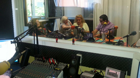 La radio ciudadana Onda Color organiza una cena solidaria con los vecinos y vecinas del distrito malagueño Palma Palmilla para solventar los gastos relacionados con la emisión y funcionamiento del medio
