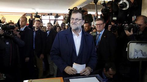 20D ELECCIONES GENERALES: Los sondeos a pie de urna señalan al Partido Popular como el más votado pero con una gobernabilidad difícil al no sumar suficientes votos incluso con el apoyo de Ciudadanos