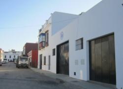 Carmona realiza obras de mejora en la zona de la calle Agripina para construir un aliviadero de aguas pluviales que evite las continuas inundaciones que sufren los vecinos y vecinas del entorno