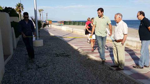 Las obras para la construcción del carril bici de Playa Serena, en la localidad de Roquetas de Mar, ya han sido adjudicadas con una inversión total de más de 237.000 euros y un plazo de ejecución de tres meses