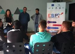 Una treintena de jóvenes desempleados y desempleadas del interior de Málaga participan en acciones formativas duales con cursos teóricos con prácticas becadas en empresas dentro del proyecto europeo ESPY