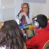 """La emisora escolar del CEIP Sánchez Alonso de Arahal, Radio Paz, celebra los 600 programas de su espacio """"Protagonistas los niños"""" entrevistando a la consejera de Educación de la Junta, Adelaida de la Calle"""