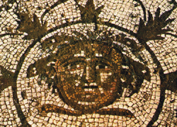 Roban el mosaico central del yacimiento romano de Río Verde, perteneciente al municipio malagueño de Marbella, una de las piezas más importantes de la villa recién declarada Bien de Interés Cultural