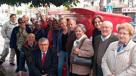 Los vecinos y vecinas de Roquetas de Mar y Huércal de Almería podrán ofrecer su cara más solidaria utilizando los nuevos contenedores de recogida textil de la red Koopera a favor de la inclusión social