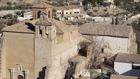 La asociación de Amigos del Patrimonio Cultural de La Guardia de Jaén ha recogido mil firmas en su campaña 'Salvemos nuestro Convento' para pedir la recuperación de la solería original del convento guardeño