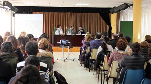 El Polígono Sur acoge una jornada con 120 estudiantes y profesorado de la Facultad de Psicología de la Universidad de Sevilla, con el objetivo de abordar la labor de transformación que se realiza en el barrio
