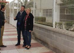 Estudiantes de Roquetas de Mar se beneficiarán de un Plan de Movilidad Escolar que está redactando el Área de Gestión de la ciudad con el objetivo de hacer más seguros para los y las peatones el acceso a los colegios
